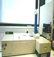 Espectrofotómetro  BRUKER, modelo IFS-66V